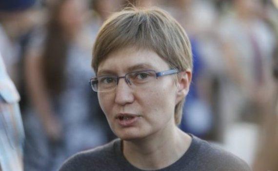 Статьи  Сестра Сенцова: Олег в тюрьме постепенно адаптируется к морозу -60, он много читает и пишет