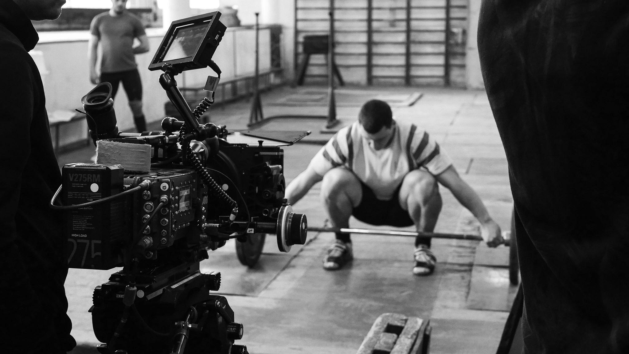 Статьи  «Штангист» Дмитрия Сухолиткого-Собчука: Тяжёлая атлетика эксперимента
