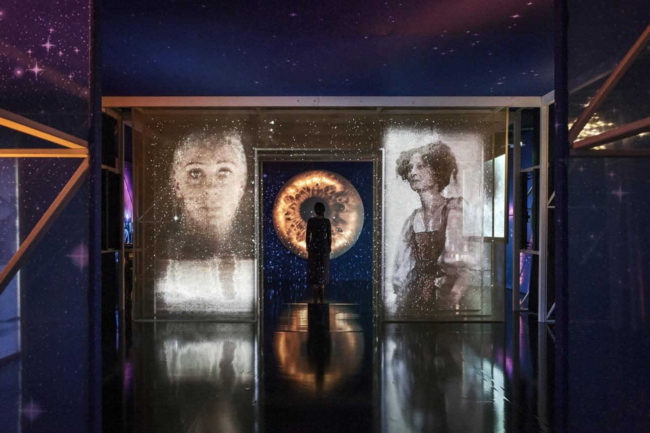 Новини  На Каннському кінофестивалі представили інсталяцію за класичними фільмами